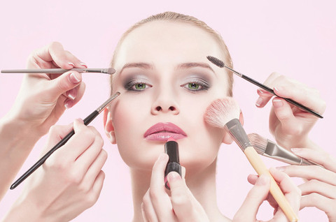 3_tips_to_help_your_makeup_last_longer_large