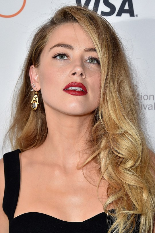 Amber-Heard_glamour_30nov15_getty_b