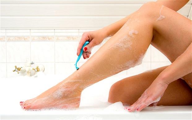 shaving-legs_2718931b