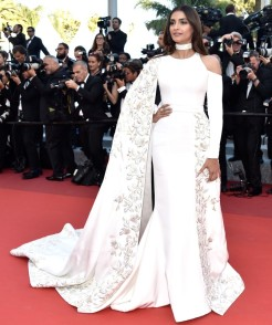 """CANNES, FRANCE - MAY 15: Sonam Kapoor attends the """"From The Land Of The Moon (Mal De Pierres)"""" premiere during the 69th annual Cannes Film Festival at the Palais des Festivals on May 15, 2016 in Cannes, France. (Photo by Pascal Le Segretain/Getty Images)"""