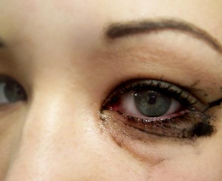 bleeding_mascara__by_miss_vengeance.jpg